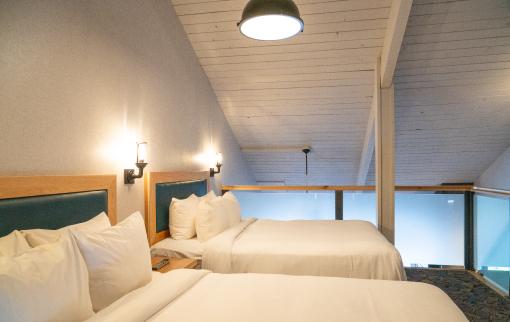 One Bedroom plus Loft, Queens